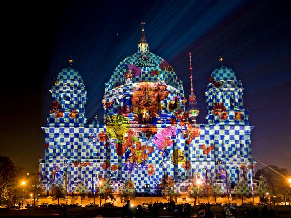 Der Berliner Dom trägt Joop